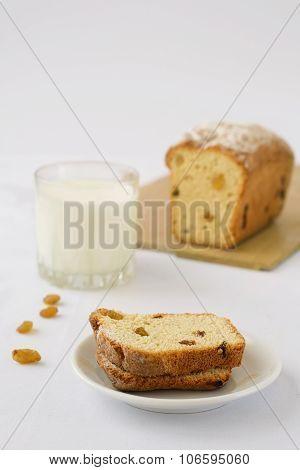 cake cupcake raisins milk on a wooden surface