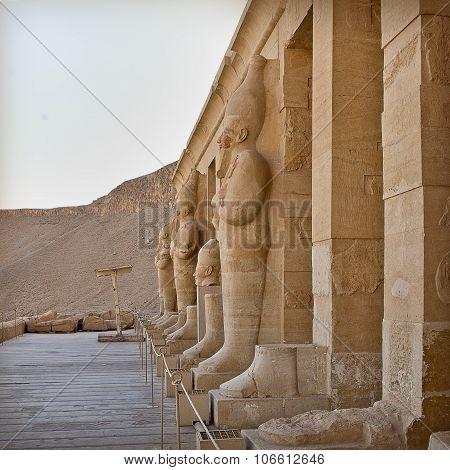statues of Hatshepsut