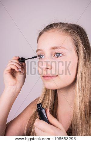 Beautiful Blond Girl, Makeup Eyelashes At