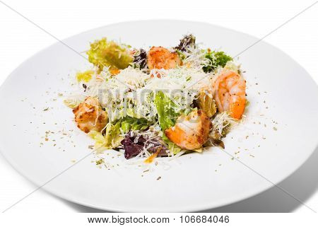 Warm salad with grilled shrimps.