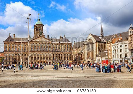 Amsterdam, Netherlands - September 15, 2015:royal Palace In Amsterdam On The Dam Square In The Eveni
