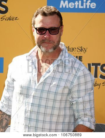 LOS ANGELES - NOV 1:  Dean McDermott at the