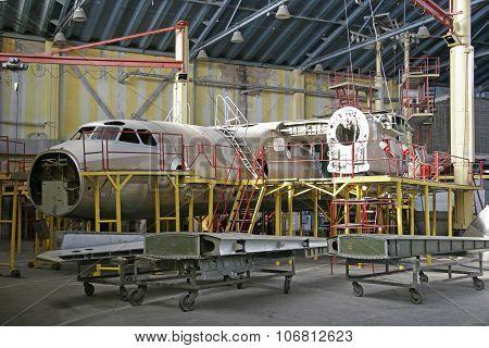 Ukraine, Kiev Repair Plant, 2015. Overhaul Of Aircraft Metal Hangar.