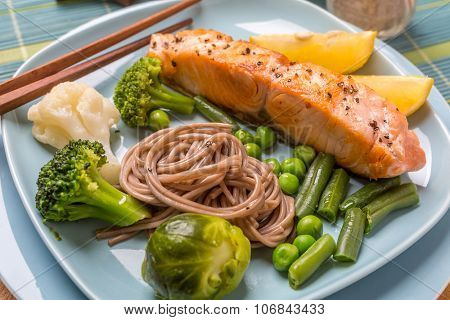 Fried Salmon Steak with Soba Noodles and Green Vegetables