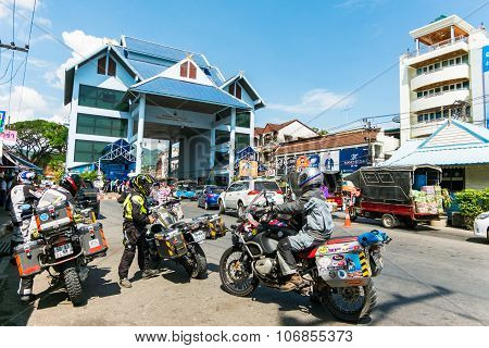 People and vehicle waiting to pass at Thailand - Myanmar border trade customs at Mae Sai Chiang Rai