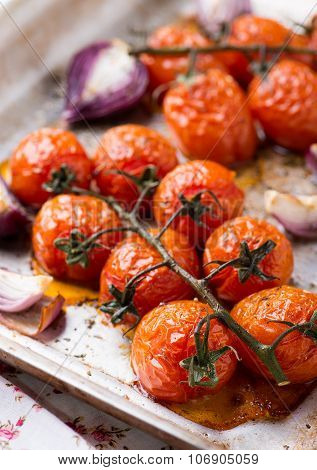 Oven Roasted Tomatoes And Onions