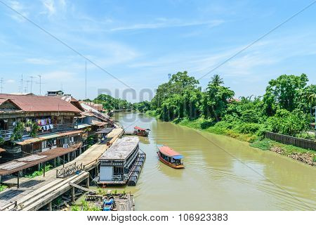 Tha Chin River At Sam Chuk Market