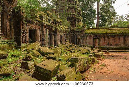 Ta Prohm, part of Khmer temple complex, Asia.