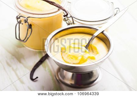 Sweet vanilla pudding dessert