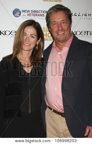 LOS ANGELES - NOV 2:  Kim Delaney, Brian McNamara at the