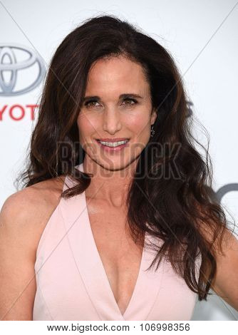LOS ANGELES - OCT 24:  Andie MacDowell arrives to the 25th Annual Environmental Media Awards on October 24, 2015 in Hollywood, CA.
