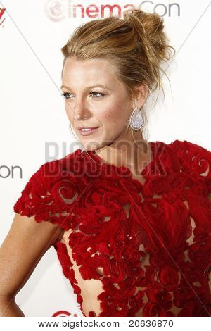 LAS VEGAS - MAR 31: Blake Lively arrives at the CinemaCon awards ceremony at the Pure Nightclub at Caesars Palace in Las Vegas, Nevada on March 31, 2011.