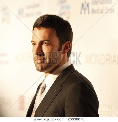 LOS ANGELES - FEB 18:  Ben Affleck arriving at the Children Mending Hearts Gala held at the House Of Blues in Hollywood, Los Angeles, California on February 18, 2009.