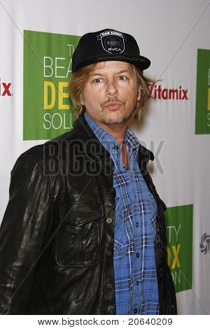 WEST HOLLYWOOD, CA - 13 de abril: David Spade na festa de lançamento da Book de Kimberly Snyder ' a beleza D