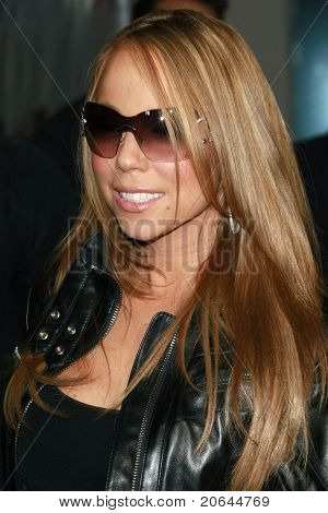 LOS ANGELES - APR 17:  Mariah Carey at an event to sign autographs for fans at Universal Studios, Hollywood in Los Angeles, California on April 17, 2008