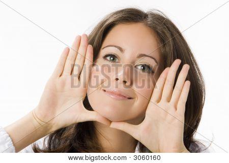 Hände in der Nähe von Gesicht