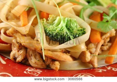 Chicken Rice Noodle Stirfry