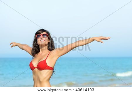 Enjoying Freedom In Beach Summer Vacations