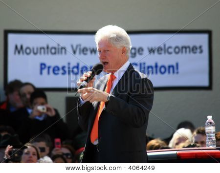 Bill Clinton Giving Speech