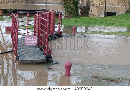 River Lock Underflood And Pedestrian Walkway