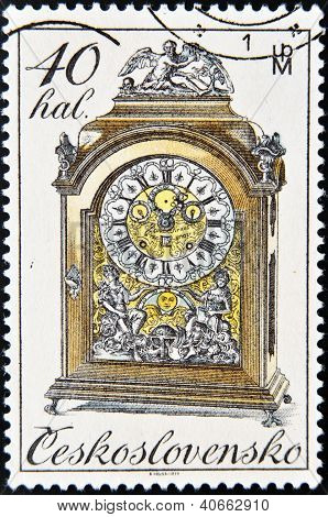 CZECHOSLOVAKIA - CIRCA 1979: A Stamp printed in Czechoslovakia shows mantel clock circa 1979