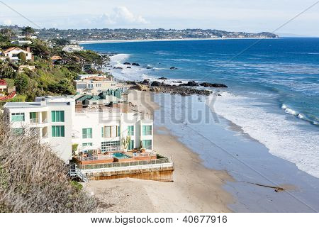 Houses By Ocean In Malibu California