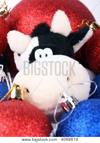 Crismas Cow Among Balls 2009