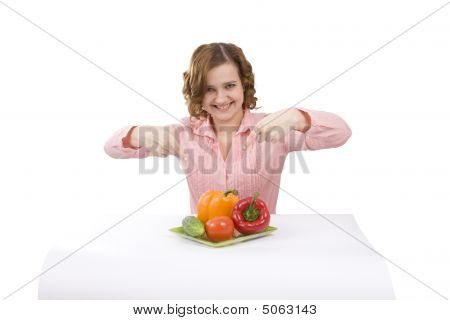 Beautiful Young Woman With Fresh Vegetables.