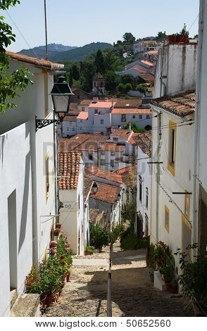 Typical Sinagoga Street In Castelo De Vide