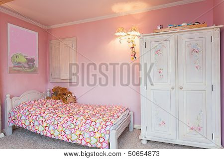 Vintage Mansion - Pink Bedroom