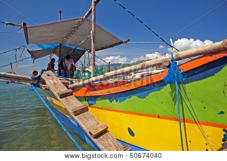 Philippine Family Outrigger