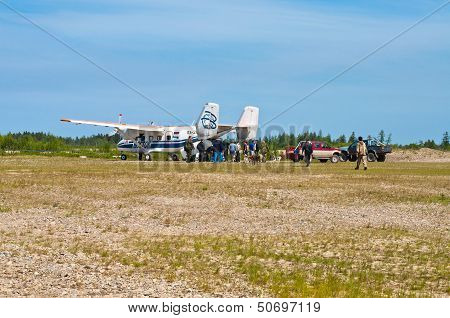AN-28 is under loading