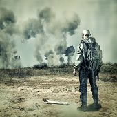 foto of gas mask  - Post apocalypse - JPG
