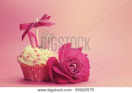 Retro vintage style fancy cupcake
