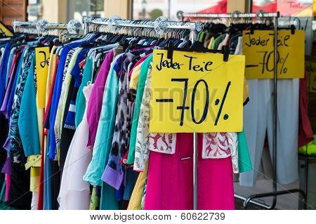 in a kleidergesch��?���¤fft the sale has already begun. good for bargain hunters.
