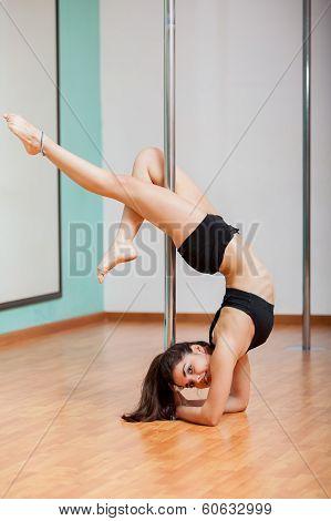 Gorgeous Latin pole dancer