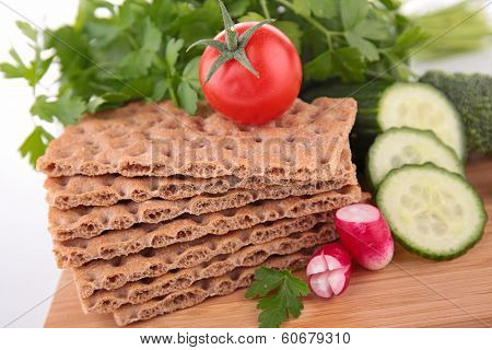 crispbread and vegetables
