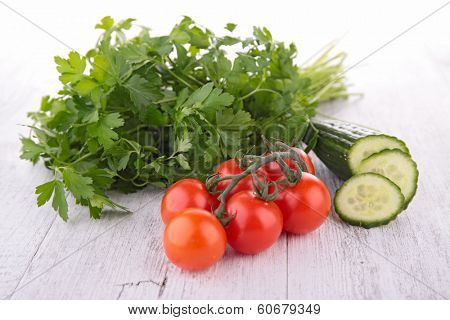 persil,tomato and cucumber