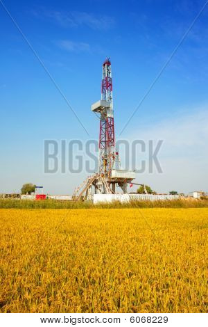 Land Drilling Rig In Autumn