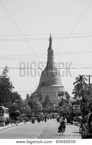 Bago, Myanmar-february 21,2014: Shwemawdaw Pagoda