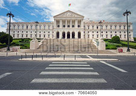 The white Portuguese Parliament