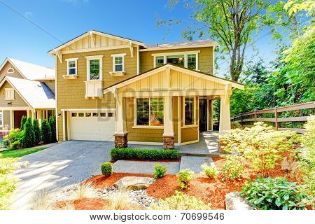 House With Walkout Basement Porch And Garage