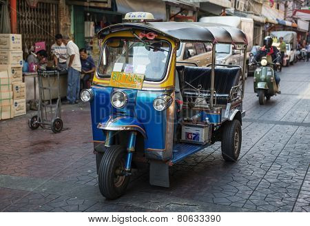 BANGKOK, THAILAND - DECEMBER 25, 2014:Traditional street taxi