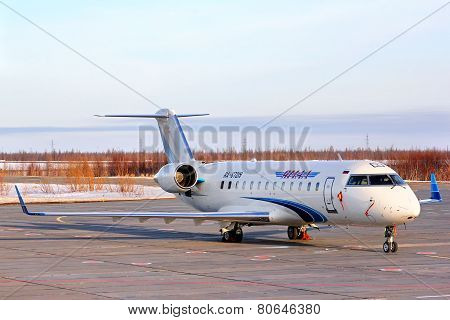 Yamal Airlines Canadair Challenger 850