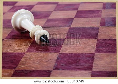 Prostrate Chess King
