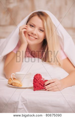 Breakfast in bed to valentines day