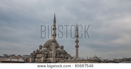 Yeni Cami mosque in Istanbul, cloudy sky
