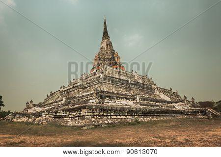 Wat Phu khao Thong. Ayutthaya historical park.