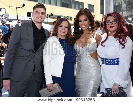LOS ANGELES - APR 12:  Tyler Baltierra, Catelynn Lowell , Farrah Abraham & Amber Portwo arrives to the MTV Movie Awards 2015  on April 12, 2015 in Hollywood, CA
