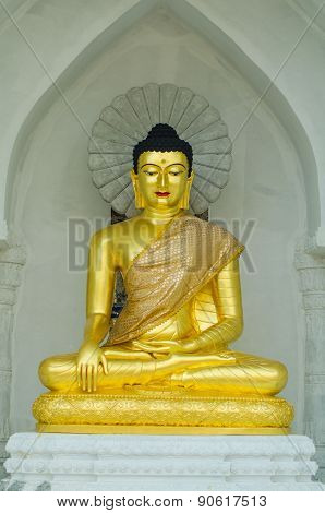 Buddha Red Lips